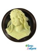 Шоколадный сувенир Мадонна . Доставка по Киеву и Украине