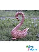 Плетеная корзина-лебедь большая . Доставка по Киеву и Украине