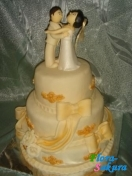 Свадебный торт Ив Сен Лоран . Доставка по Киеву и Украине