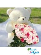 Белый медведь и голландские розы . Доставка по Киеву и Украине