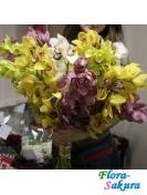 Цветы на помолвку маме Орхидеи . Доставка по Киеву и Украине