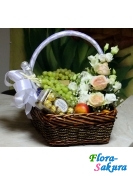 Подарочная корзина на свадьбу . Доставка по Киеву и Украине