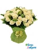 35 кремовых роз Ласка . Доставка по Киеву и Украине