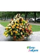 Шикарная корзина цветов . Доставка по Киеву и Украине