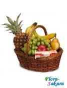 Корзина с фруктами и Рафаэлло . Доставка по Киеву и Украине