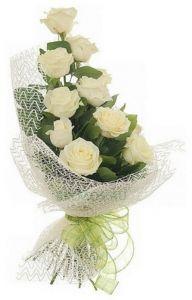 Букет белых роз Идиллия. Доставка по Киеву и Украине
